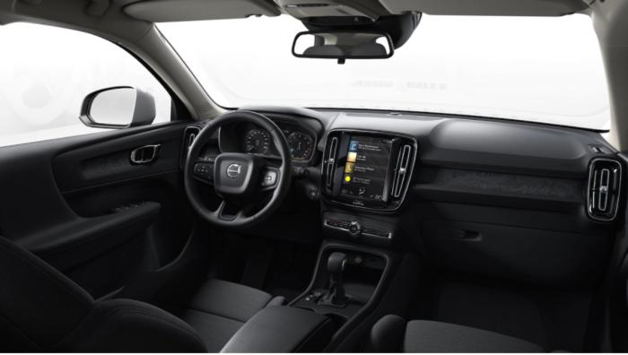 Volvo XC40 Momentum Core interni - Tecnostile Rovigo
